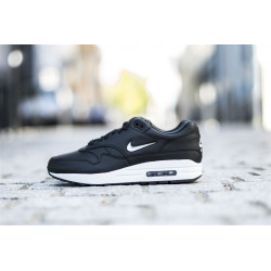 "NIKE : AIR MAX 1 PREMIUM JEWEL ""BLACK/METALLIC SILVER"""