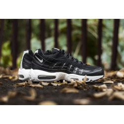 "NIKE : AIR MAX 95 PREMIUM ""REBEL SKULLS"""