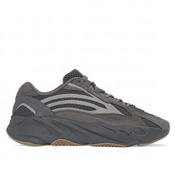 "ADIDAS : YEEZY BOOST 700 V2 ""GEODE"""