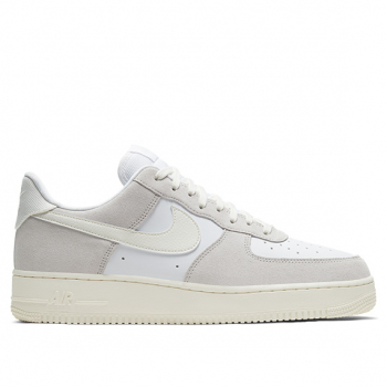 NIKE : AIR FORCE 1 LV8