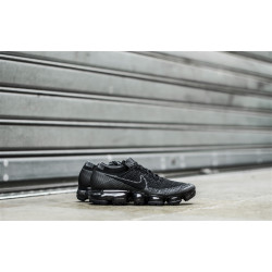 "NIKE : AIR VAPORMAX ""BLACK/ANTHRACITE"""